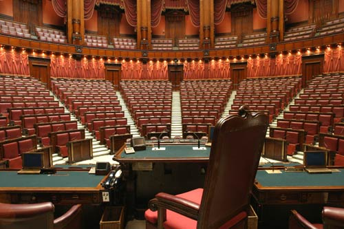 Il banco della presidenza for Formazione della camera dei deputati