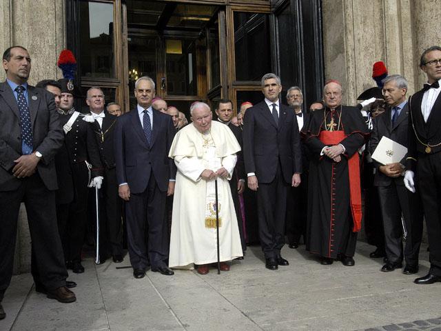 il papa in visita al parlamento italiano